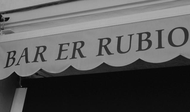 Das sprachliche Phänomen des rotacismo im Namen einer andalusischen Bar, Foto: Jannis Harjus.